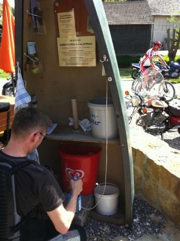Die Helm-Waschanlage
